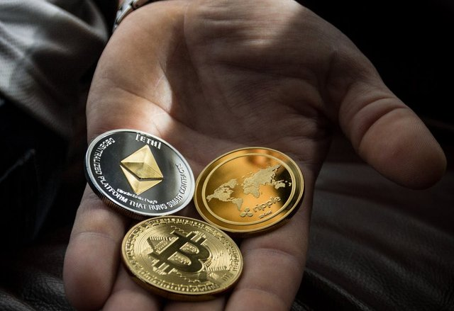 Is it ethical for lawyers to accept bitcoins and other cryptocurrencies?